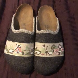 Felted design Birkenstocks
